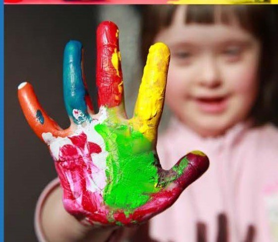 Child-with-paintedhand